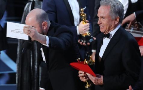 Oscars envelope mishandling goes down in history