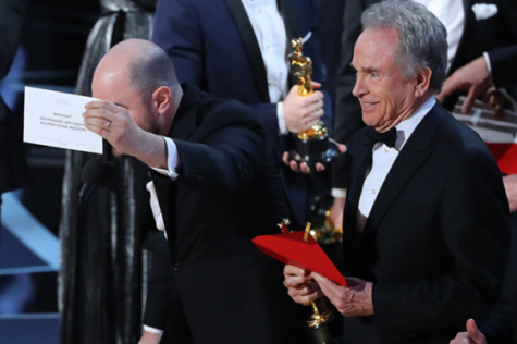 Oscars envelope mishandling goes down in history