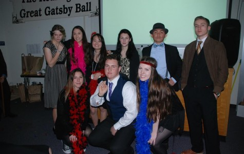 Juniors participate in 1920's themed party final