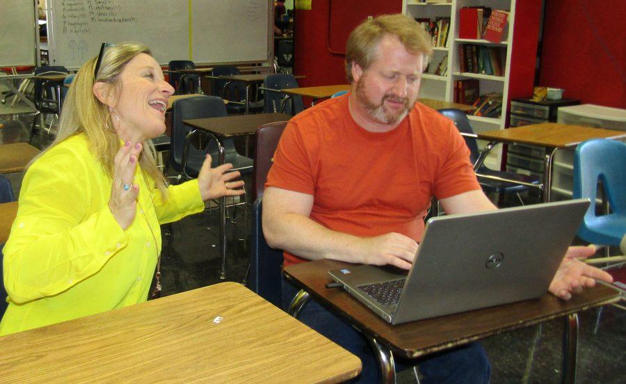 American+Threads+teachers+Amber+Lineweaver+and+Scott+Harris+discuss+class+curriculum.
