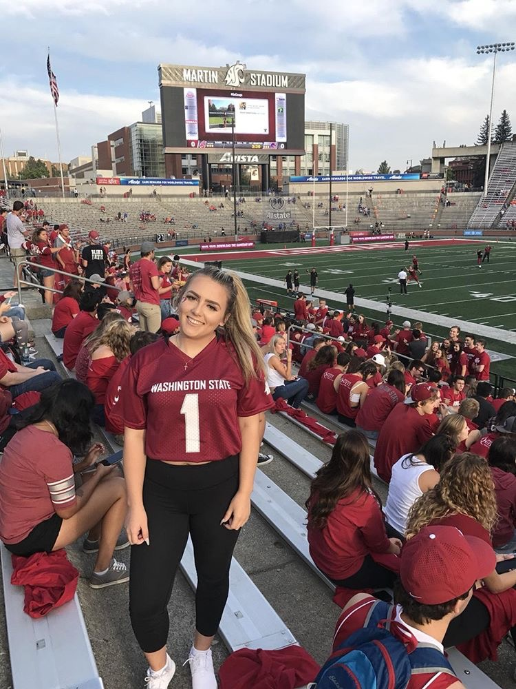 2017 Northgate grad Jenna Pouch, now a student at Washington State, was in the right place at the right time when she assisted a traveler with a medical issue.