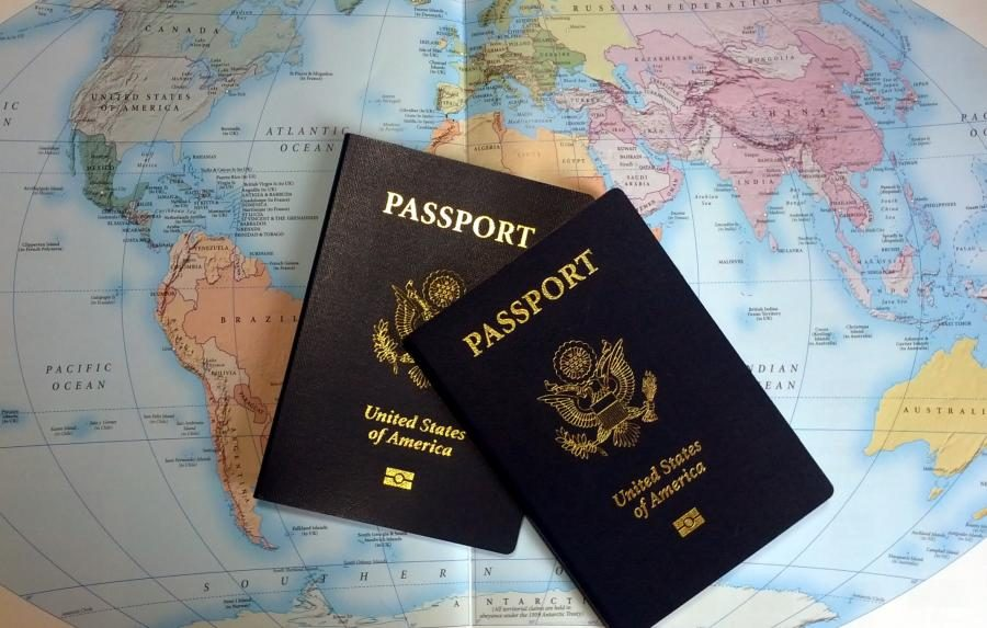 Passports+required%3A+Students+go+abroad+for+gap+year+and+studies